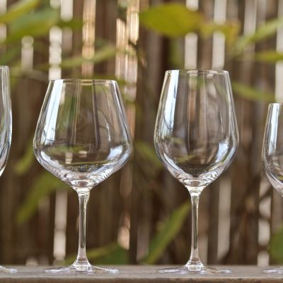 4 wine glasses