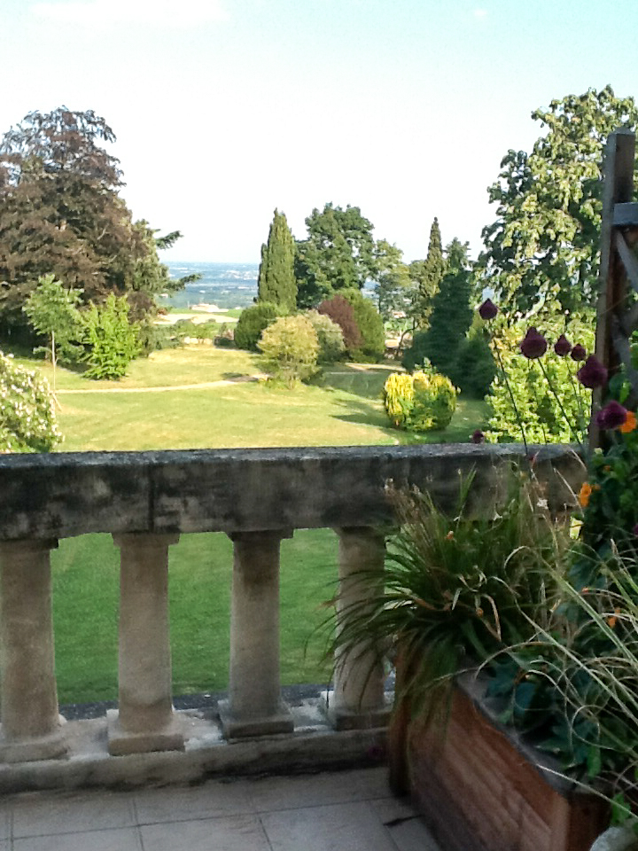 View of the gardens at Château de Bellevue. Photo by Gloria J. Chang.