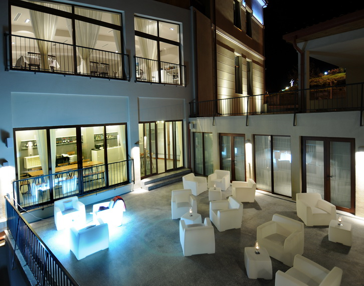 Hotel Kabadoni
